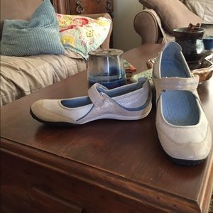 Privo Clark Size 8 Shoes. Like New