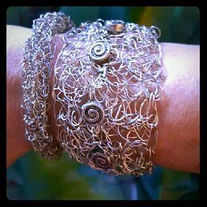 Unique  Bracelet NWOT