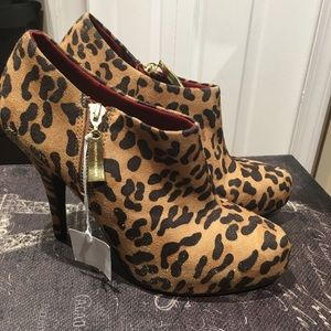 Christian Siriano Shoes - Christian Siriano leopard booties...NWT