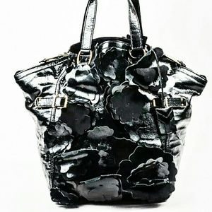 yves saint laurent textured leather downtown tote