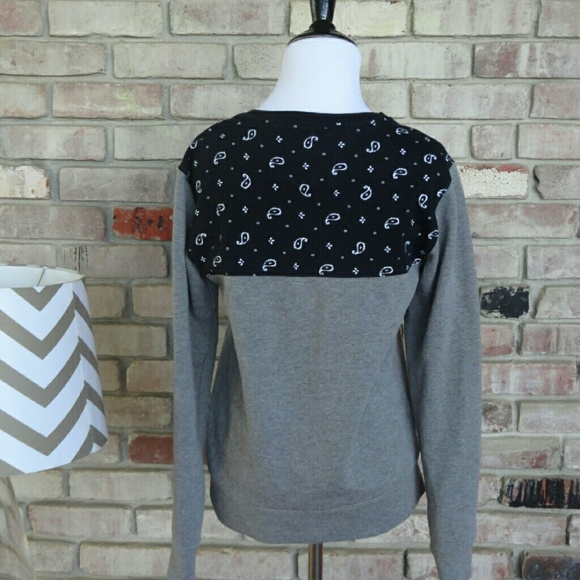 on the byas Tops - 3/$15 Adorable Sweatshirt by On The Byas