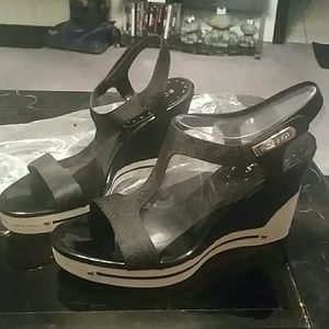 BCBGirls Shoes - Beautiful blk and white wedge