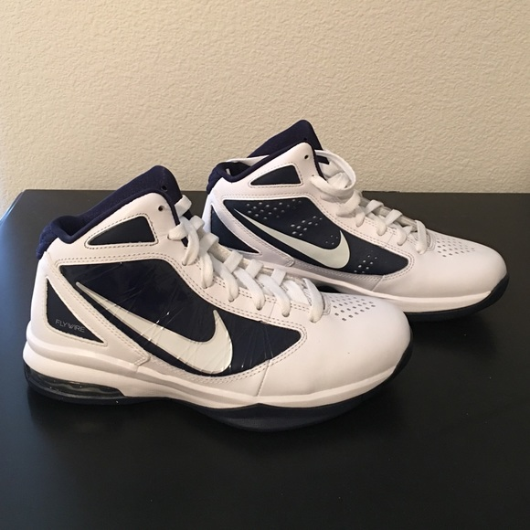 576d44caf1b1aa Nike Flywire high top women s basketball shoes. M 571ac71913302abb8e025cac