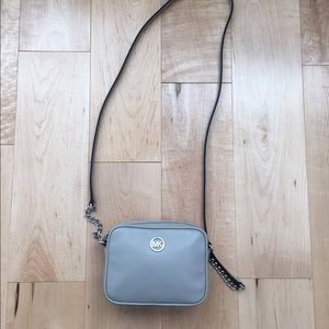 🆕 🎉 2x HP🎉 Michael Kors Grey mini Crossbody