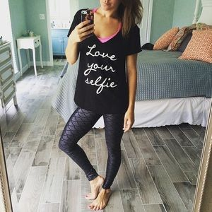 Tops - Love your selfie tee