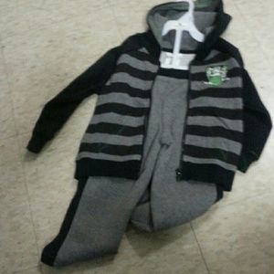AFF Other - kids sweat duit size 4 t