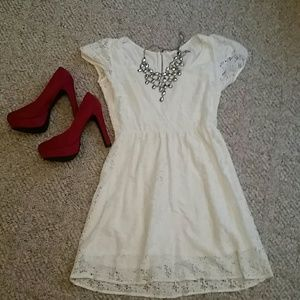 Dresses & Skirts - Lace little white dress