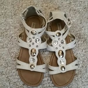 Shoes - Beige and jeweled sandals flats sz 6.5