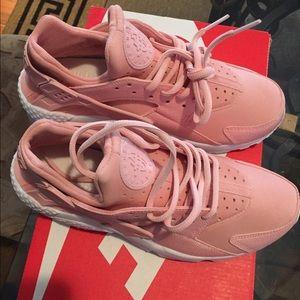 c05b4cdd521e0 Nike Shoes - Custom NEW pink plush huaraches size 7 women.