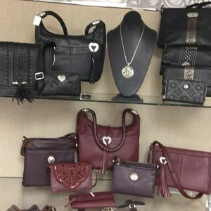 DONT PURCHASE - we carry Brighton handbags!
