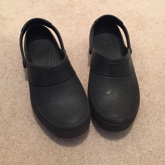 7e35a814e4 crocs Shoes - Crocs No Slip work or nursing shoes size 9