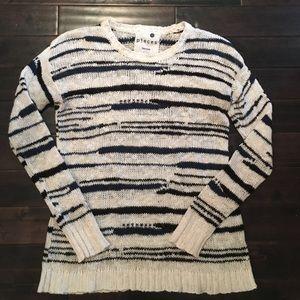 Kensie Sweaters - ⬇️⬇️☀️price drop KENSIE light weight knit sweater