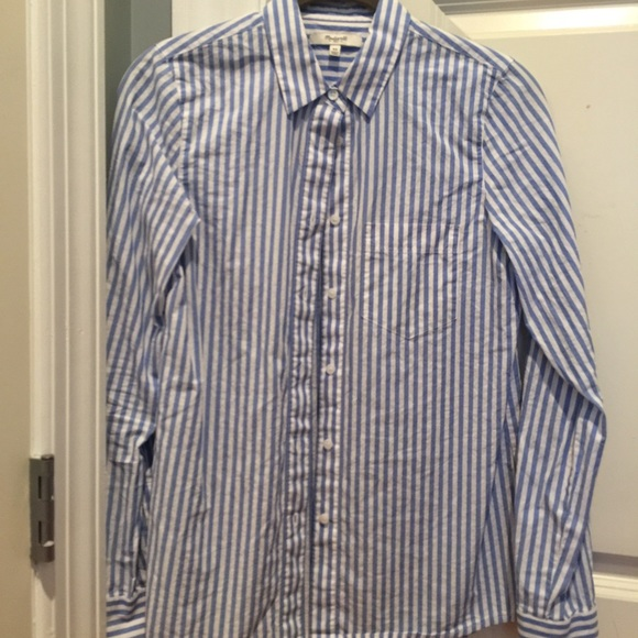73d97b891 Madewell Tops - Madewell blue striped button-down, Size XS