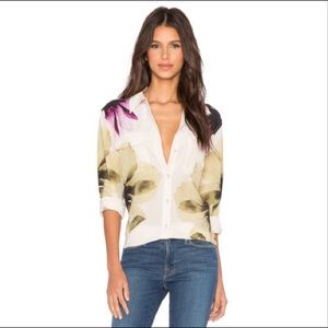 Equipment Tops - Equipment signature silk blouse
