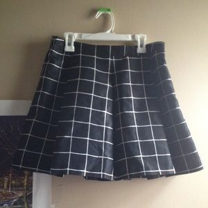 SALE! Urban Outfitters Pleated Plaid Skirt