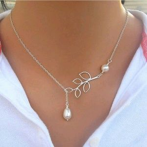 Jewelry - Silver Leaf Water Drop Necklace