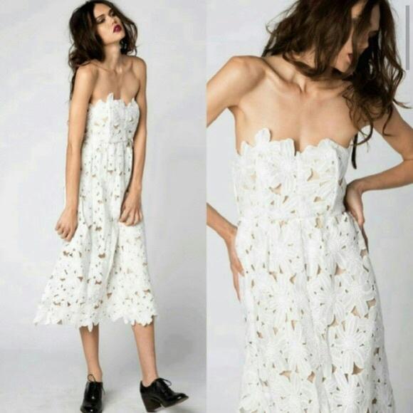 7fd8eb76f0a Stone Cold Fox Tennessee Dress White Size M L RARE.  M 571bec334127d05ab200c605