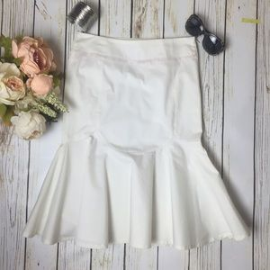 ✨NWOT✨ Emporio Armani White Flared Skirt - HP