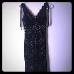 Dresses & Skirts - Black lace dress v neck dress.  size small