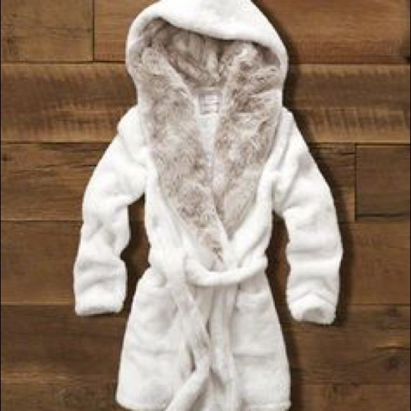 d163884ead NWT Abercrombie   Fitch Faux Fur Lined Hooded Robe