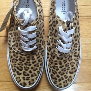 NWT H&M Canvas Leopard sneakers 7 animal print