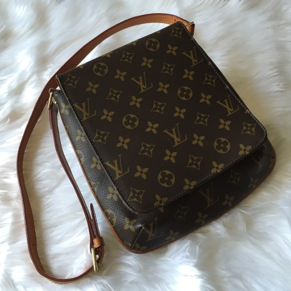 0ebbc10c03f9 Louis Vuitton Handbags - •LV Musette Salsa Shoulder Bag•