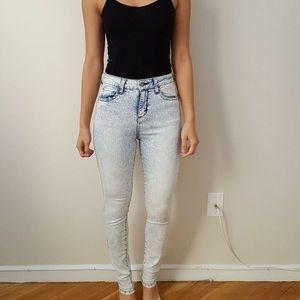 Forever 21 high waisted light acid wash jeans