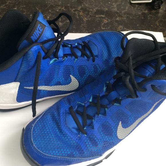 67 Off Nike Shoes - Nike Basketball Shoes - Size 7 Womens -7567
