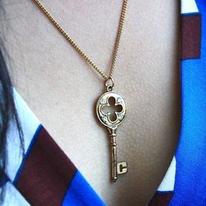 Forever 21 Gold Key Pendant Necklace