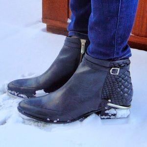 Sam Edelman Shoes - sam Edelman black ankle booties - size 8