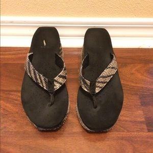 Volatile Shoes - Volatile Tan/Black Island Sandal