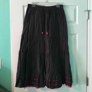 Long gray skirt with pink lining