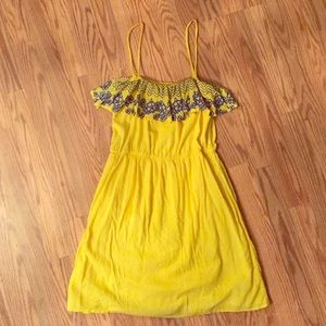Eight Sixty Dresses & Skirts - Eight Sixty embroidered sundress