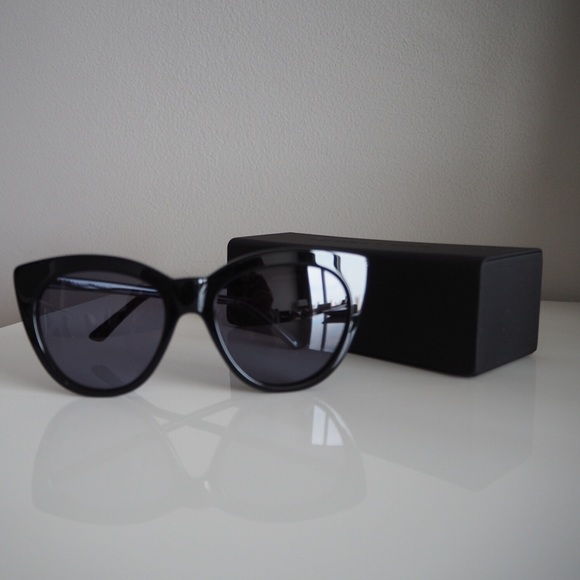 4aacd6b89f Kendall   Kylie Accessories - New Kendall + Kylie Black Cat Eye Sunglasses