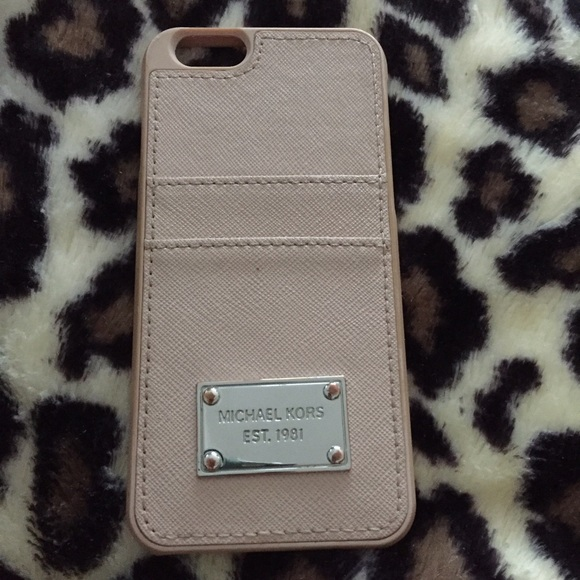 new product b6390 6a961 Michael Kors Saffiano Leather Pocket iPhone 6 Case