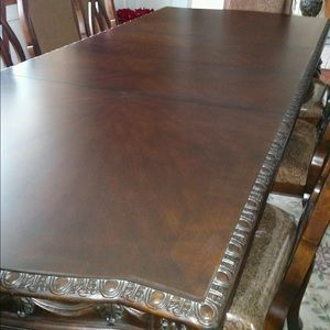 Used, Dining Room Table. Chairs NOT INCLUDED for sale