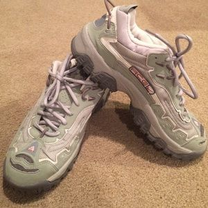 64 nike shoes pair of acg walking shoes by nike
