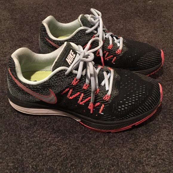 55873bf5537e Gently worn Nike Zoom Vomero 10 sz 8.5. M 571d86a1713fde259006af83