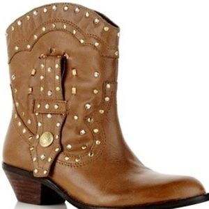 Vince camuto Cowboy boots