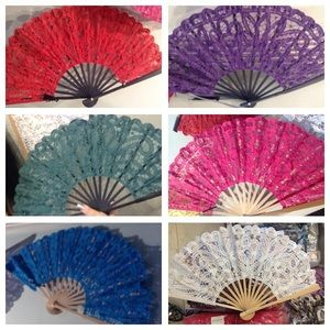 Accessories - 💲ALE!...💃🏻BEAUTIFUL BAMBOO HAND FANS💃🏻...