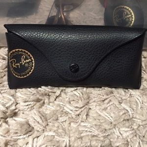 Ray Ban black case