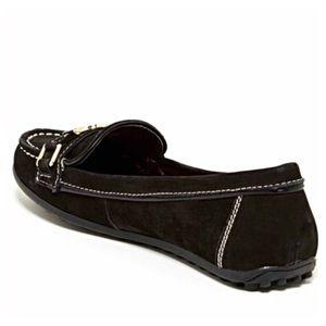 41 off tommy hilfiger shoes 1 hour sale tommy. Black Bedroom Furniture Sets. Home Design Ideas