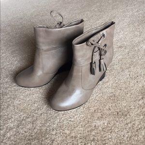 Cute Wedge boots!
