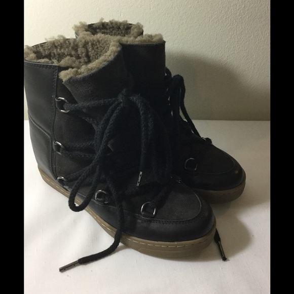 a6d69d82774 Isabel Marant Shoes - ISABEL MARANT Etoile Nowles Black Shearling Boots
