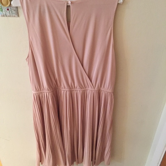 mossimo supply co pale pink dress with pleated skirt