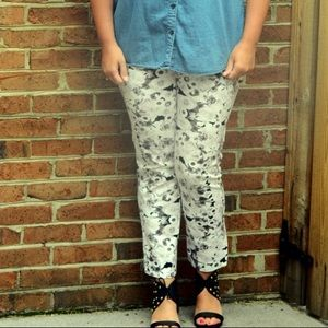 Black and White Floral Cropped Pants