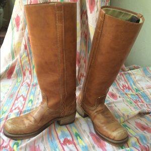Dingo boots size 8M