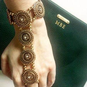 Jewelry - NWOT*Rhinestone Hand Chain