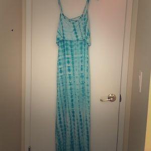 Dresses & Skirts - Tie dye maxi dress