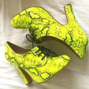 Melody Ehsani Shoes - ON SALE!! Limon Neon Snakskin Print Heel w/ Laces!